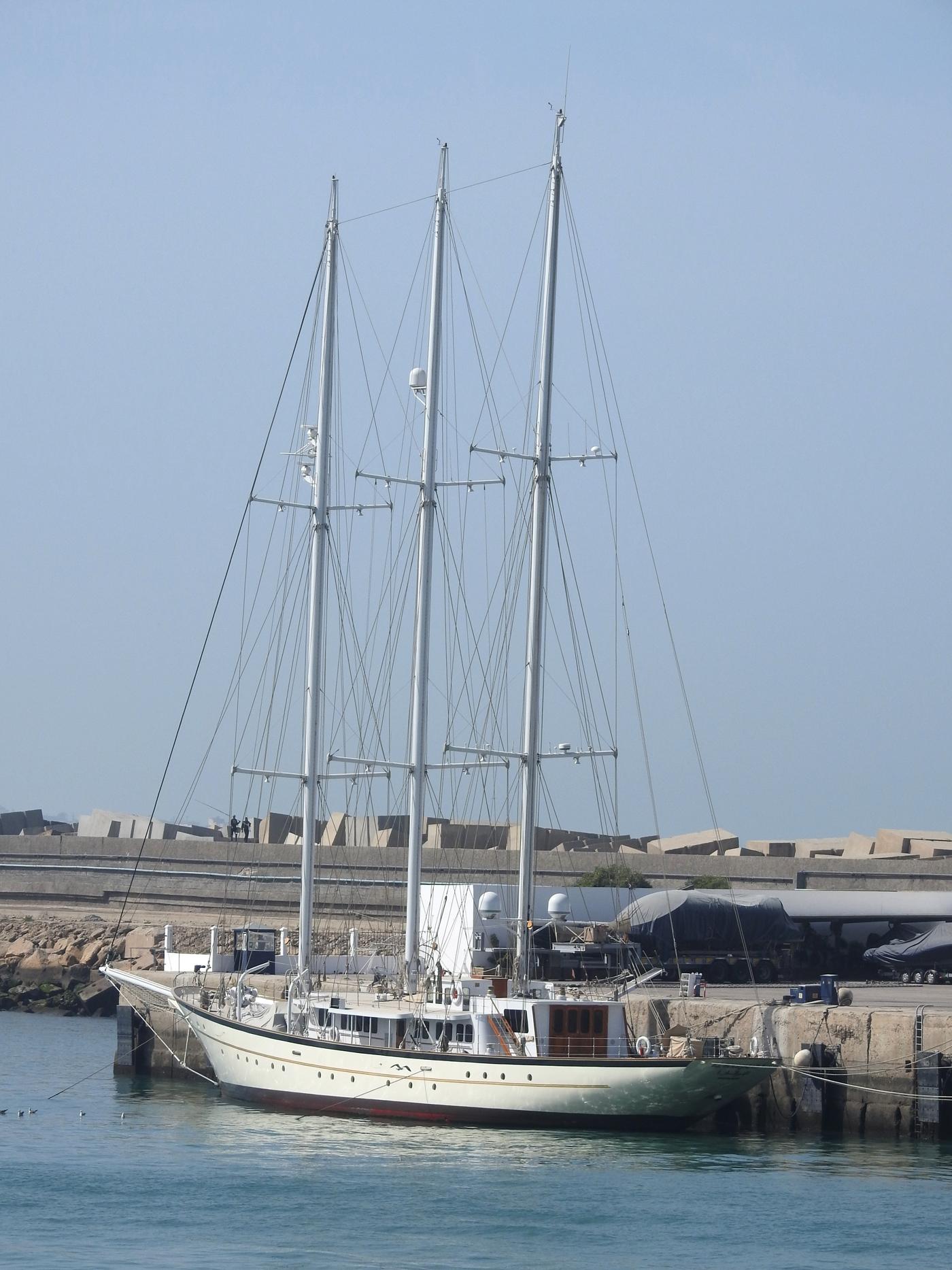 la flotte des Yachts Royals : El Boughaz I - Badis 1 - Page 2 3006109
