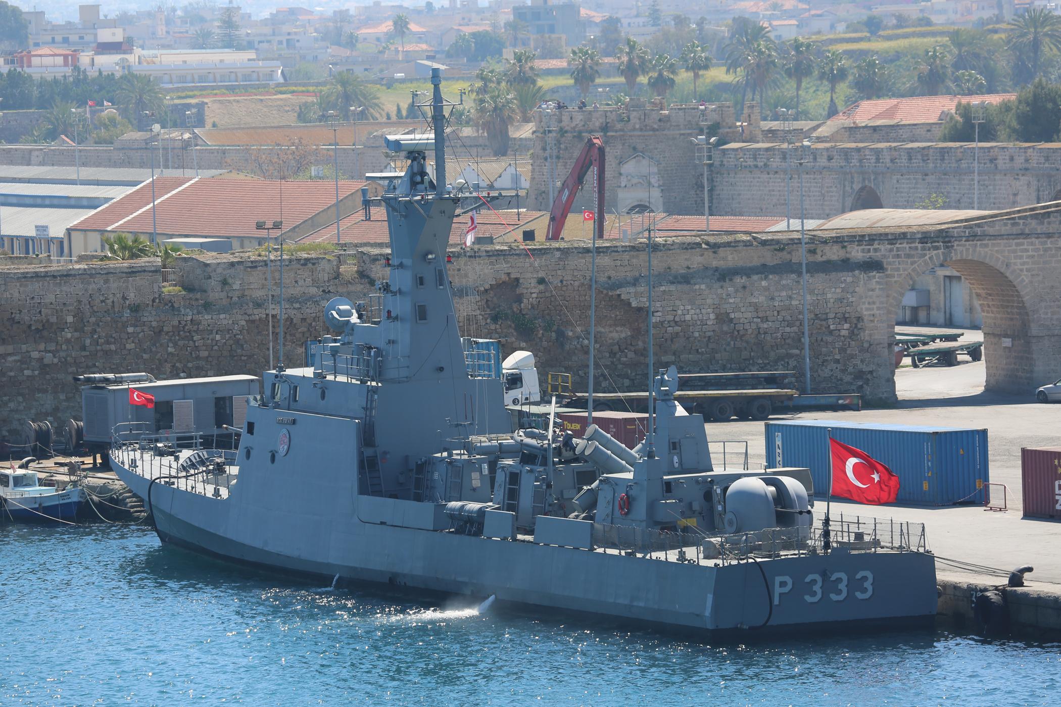 Turkish Navy - Marine Turque - Page 2 2789369