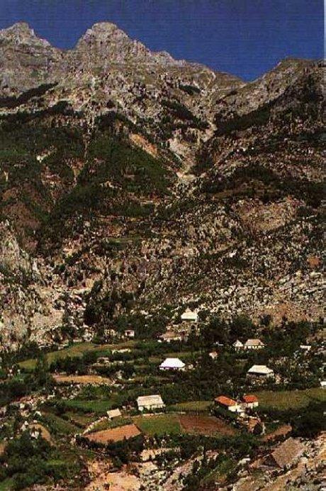 Natyra shqiptare - Faqe 2 Alpe_2