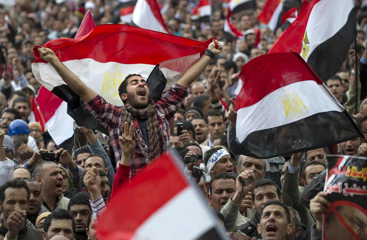 قصيدة ثورتنا مستمرة Egyptian-revolution