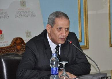 «التعليم» تشدد على مديرياتها إلغاء مناهج فبراير في امتحانات آخر العام Helaly-sherbeny
