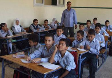 شروط ومواعيد «التعليم» للالتحاق بمدارس المتفوقين وفصول الفائقين 6-pupils-at-the-school