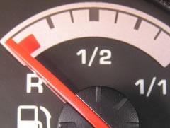Plackitin dyqanin, por mbeten pa karburant ne momentin e arratise 1330520304-ska_nafte