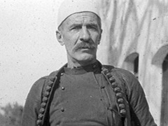 Jeta dhe vrasja e Isa Boletinit heroit te pavaresise dhe shtetit 1341825091-isa_boletini