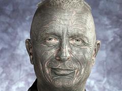 Ceki, profesori i mbushur me tatuazhe, ne gare per president 1347871965-kandidat_per_president
