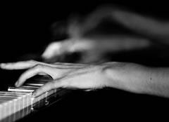 Truri - Faqe 2 1354009526-pianiste