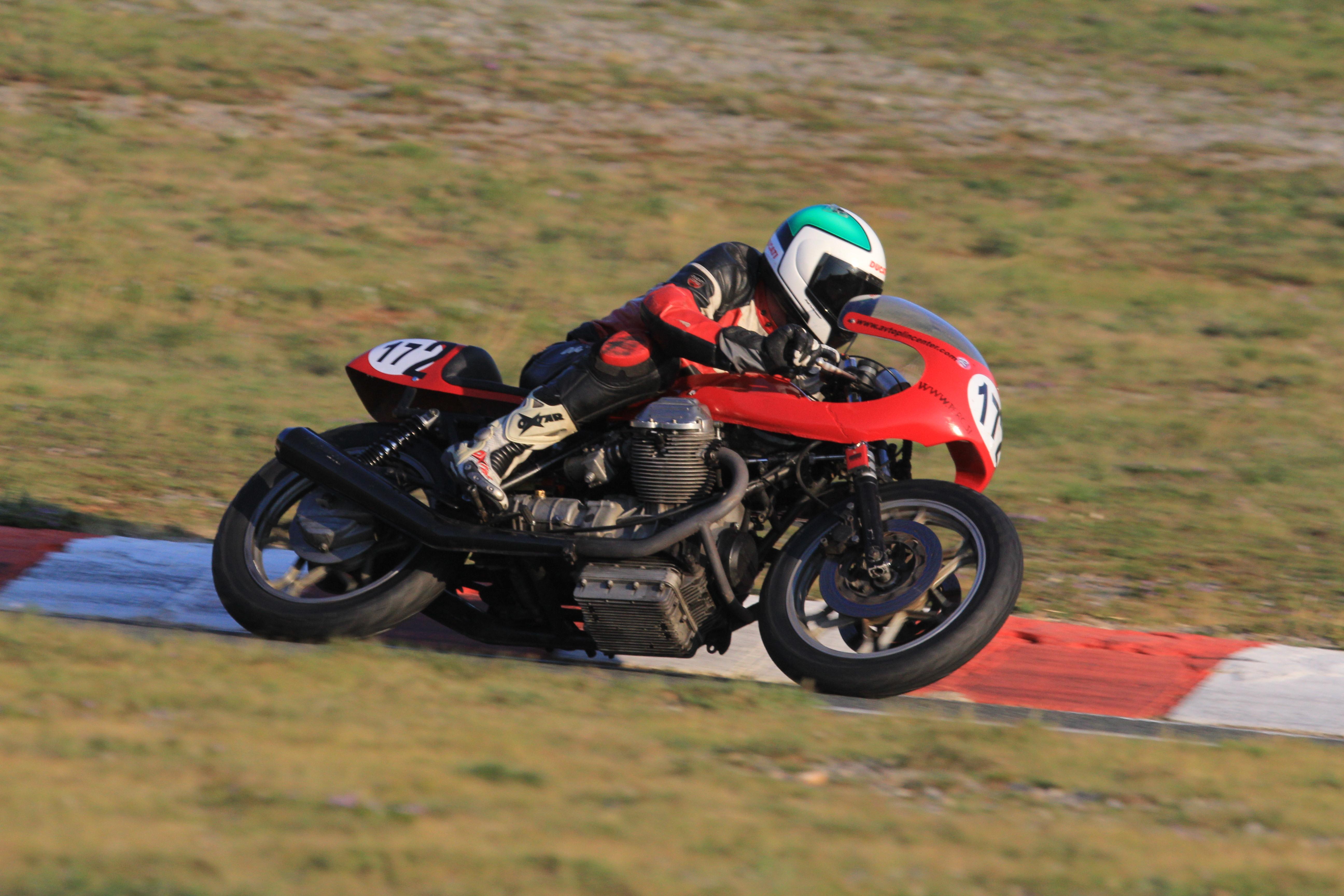Tudi Slovenski Guzzi se vozi na dirkah Img0204