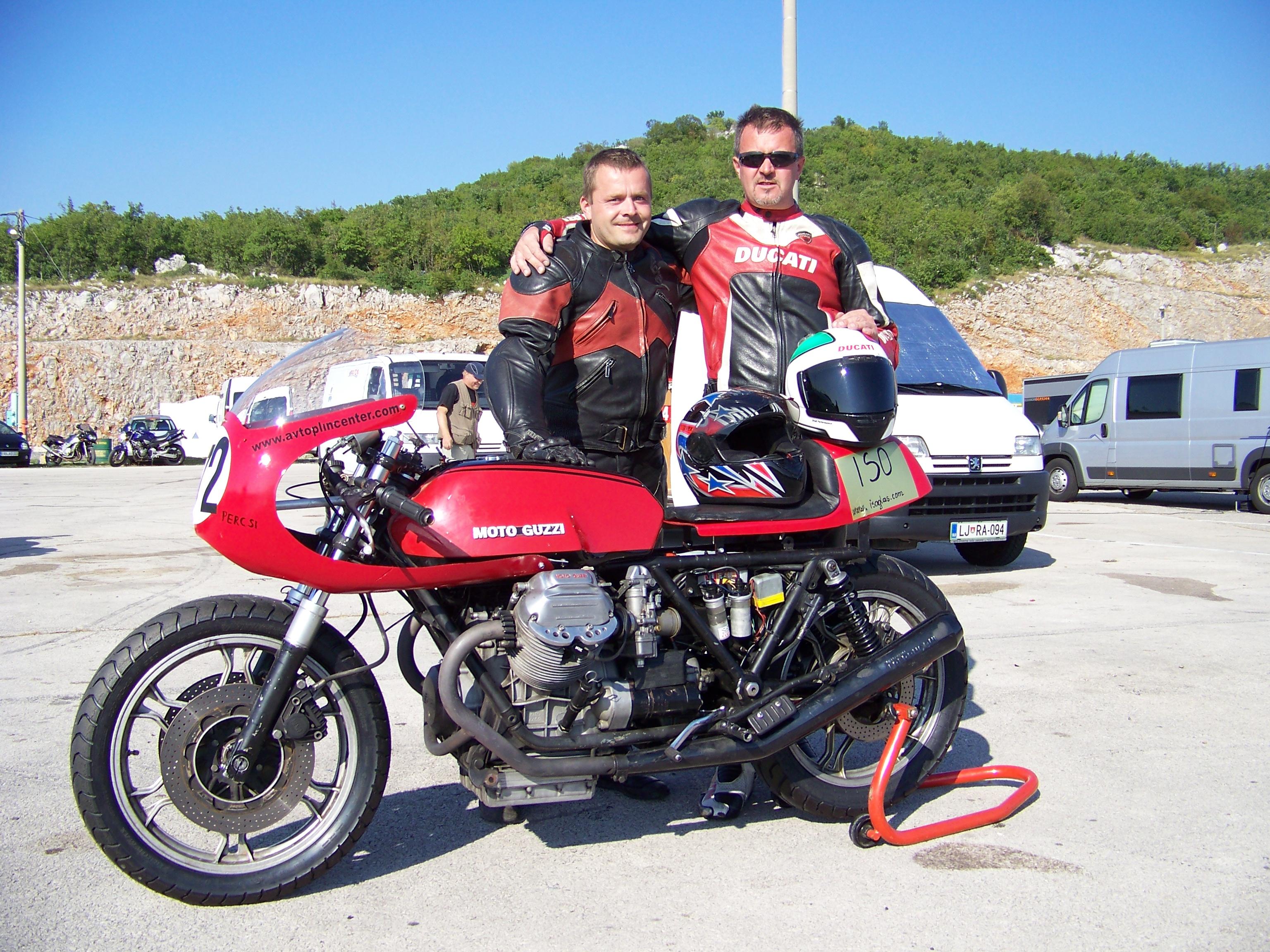 Tudi Slovenski Guzzi se vozi na dirkah 1002767