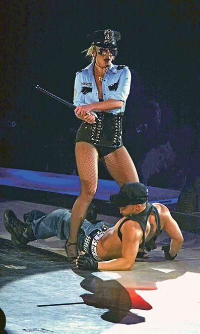 Britney jih je pretepala s pendrekom Novica-23929-173670-glav