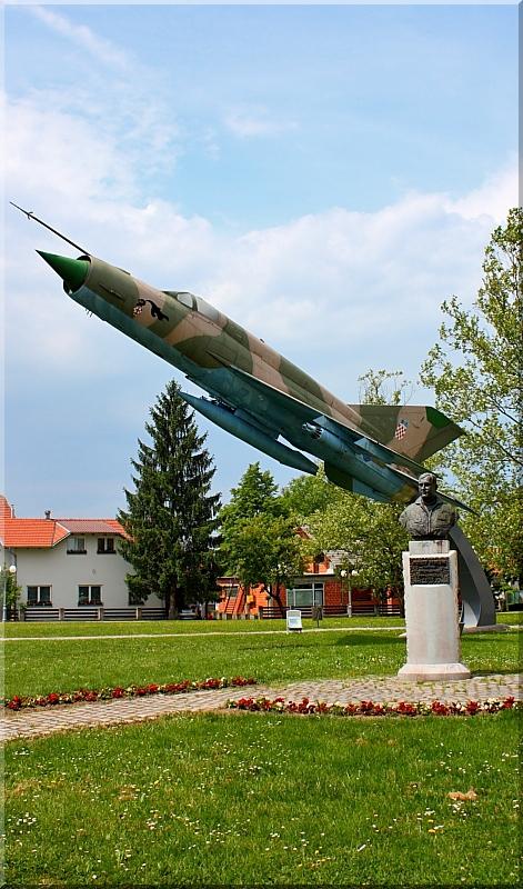 Avijatičarski spomenici  Img8693