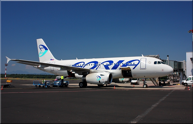 Adria Airways Slovenija - Page 2 Img9281