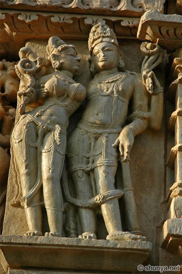 Индиjско ваjарство ParsvanathTemple04