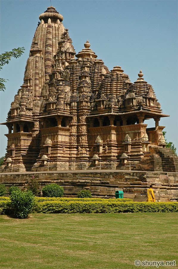 Индиjско ваjарство VishwanathTemple05