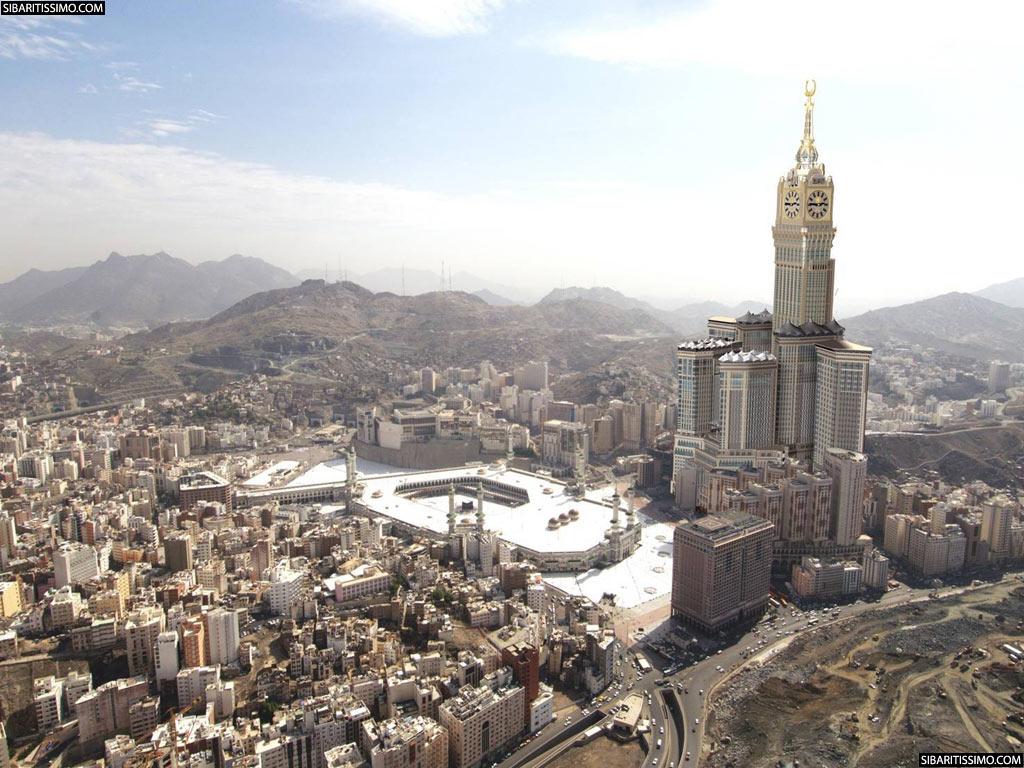 El edificio más grande del mundo, las Torres de Abraj Al-Bait  Makkah-Clock-Royal-Tower-01