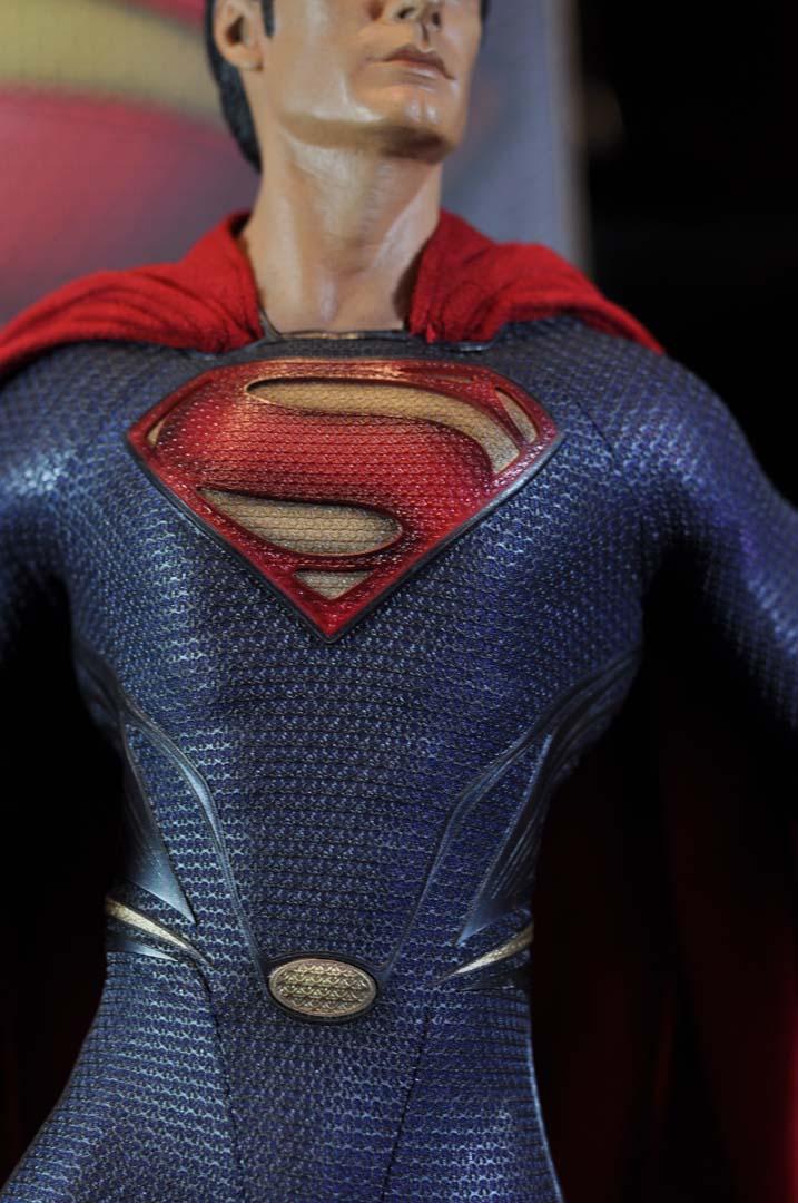 MAN OF STEEL SUPERMAN PREMIUM FORMAT FIGURE - Page 3 DSC_0032