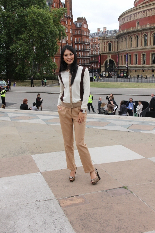 Official Thread Miss World 2012- Yu Wenxia- People's Republic of China - Page 4 35399_200339_683011