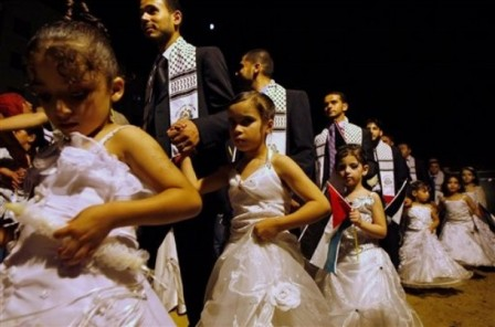 Mahomet aicha Pédophilie Islam pedophilia Hamas-gaza-child-wedding1