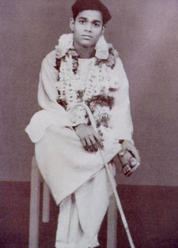 சத்ய சாய்பாபா – வாழ்க்கை குறிப்புகள் (அரிய புகைப்படங்கள்) Sai1-1