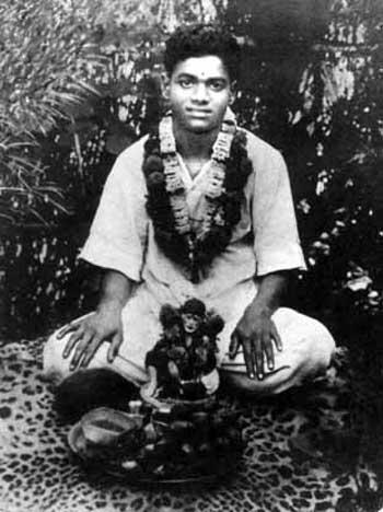 சத்ய சாய்பாபா – வாழ்க்கை குறிப்புகள் (அரிய புகைப்படங்கள்) Sai1-4