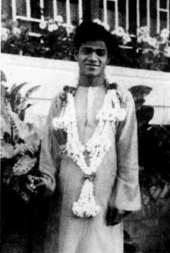 சத்ய சாய்பாபா – வாழ்க்கை குறிப்புகள் (அரிய புகைப்படங்கள்) Sai1-5