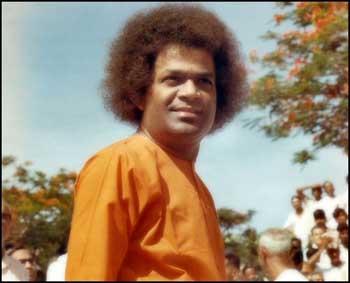 சத்ய சாய்பாபா – வாழ்க்கை குறிப்புகள் (அரிய புகைப்படங்கள்) Sai1-8