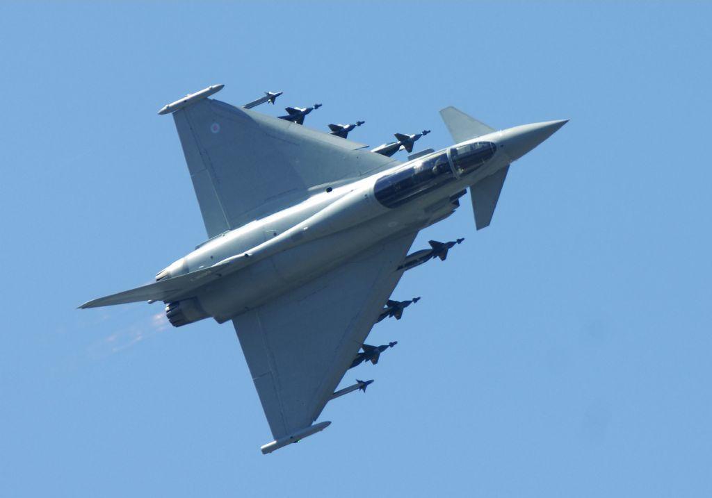 أحسن 10 طائرات بالعالم  Eurocopter_saudi_large