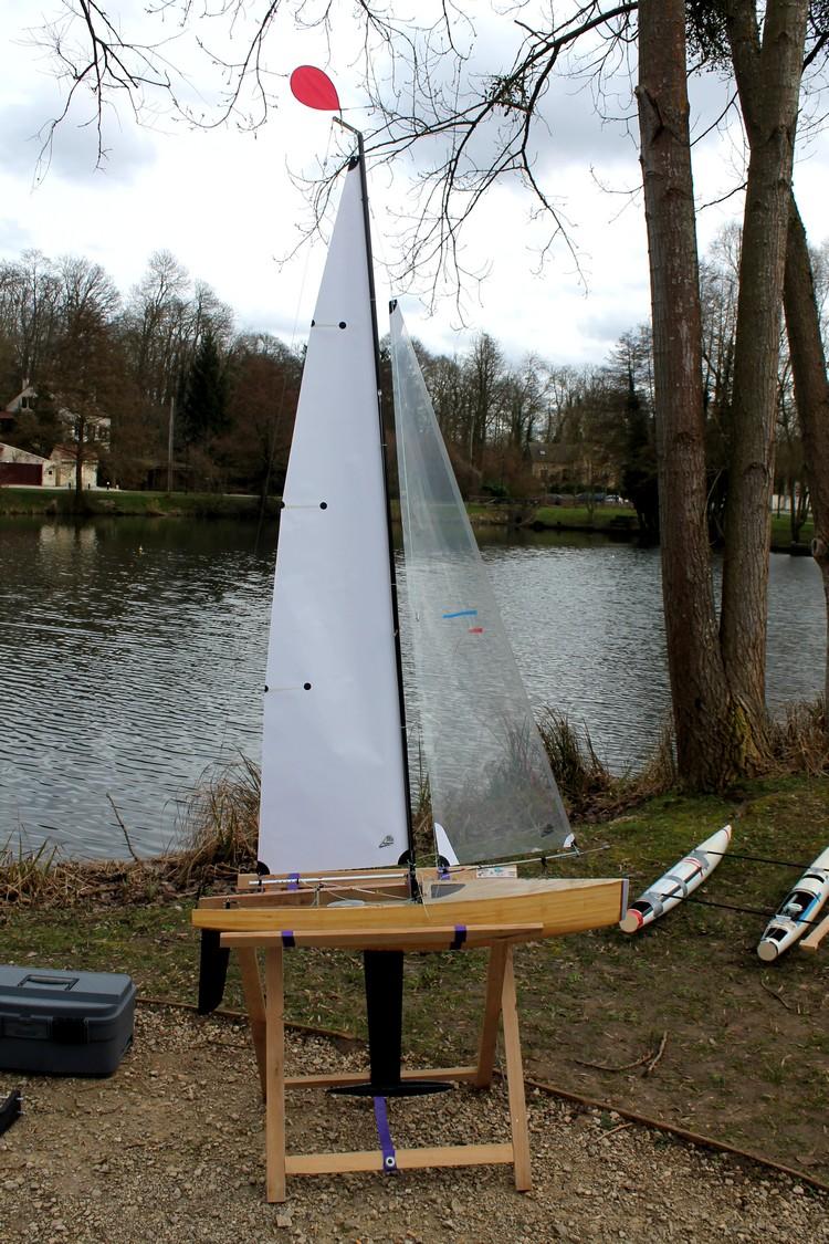 réalisation d'un voilier classe 1 mètre Goth90