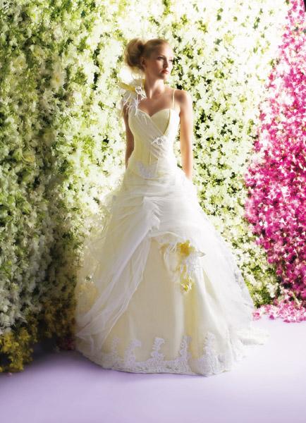 فساتين الزفاف بالالوان ولا اروع 12_0