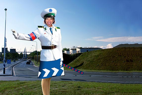 Strange Dutch satire involving Pyongyang Traffic Girls Photo_traffic_jam_01