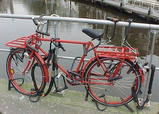 Ultimate antivol Pu8b_user_contrib_bike_with_20_locks