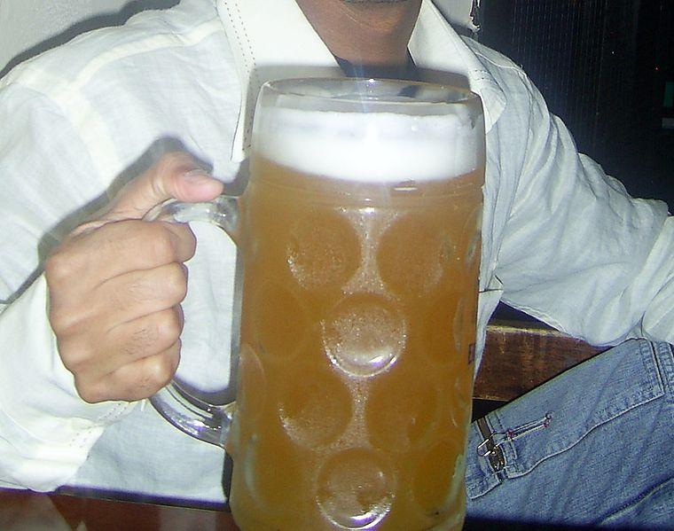 Što sve vole muškarci, prikaži slikom - Page 15 Mas-krigla-piva