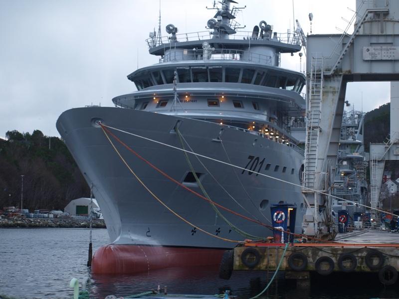 الجزائر تعاقدت على ثلاث سفن انقاذ وسحب type UT 515 CD لاعالي البحار 58995
