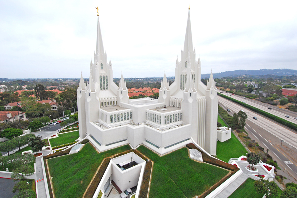 Massive Minecraft Builds Lrg_mormon_temple