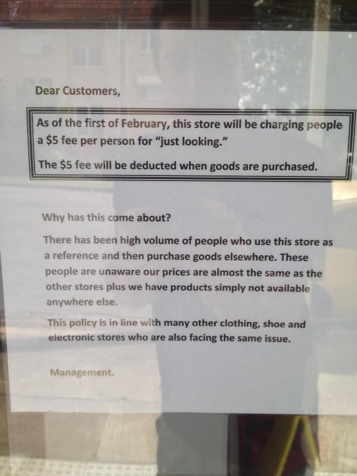 """Un magasin australien fait payer 4 euros les clients qui entrent """" juste pour voir """" Jh38qXT"""