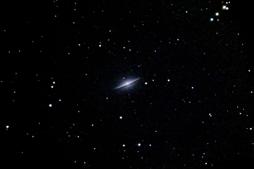 M104: La Galaxie du Sombrero M104_Sombrero