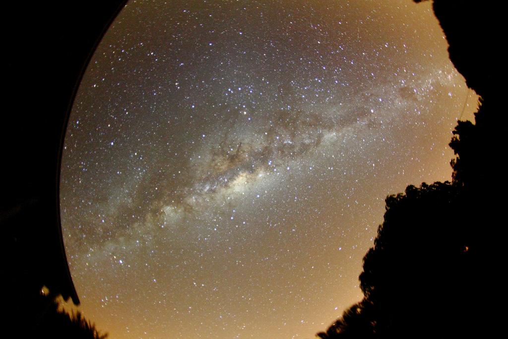 une petite photo de la Réunion en attendant le reste... Vialacteaaustral