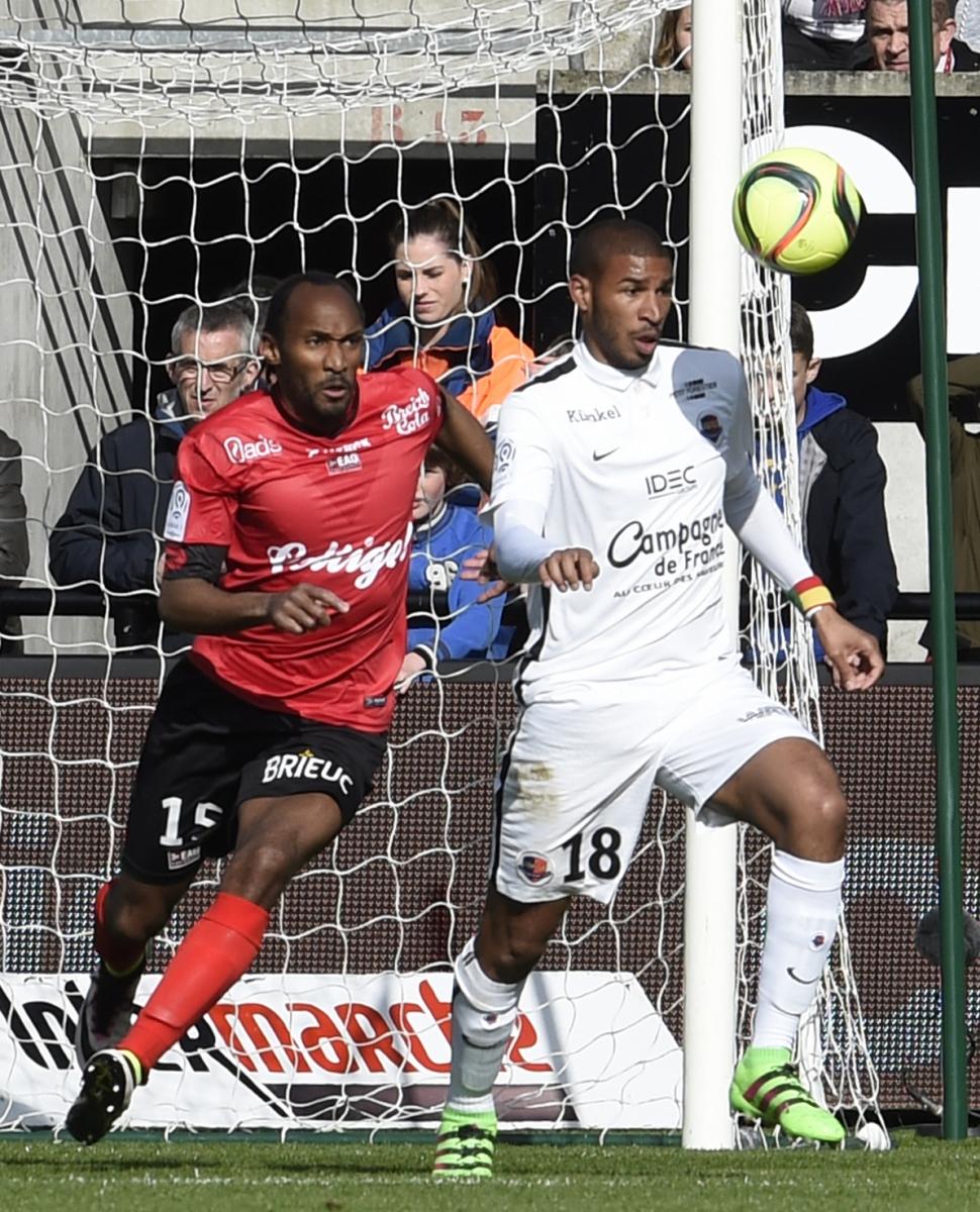 [23e journée de L1] EA Guingamp 0-1 SM Caen  Adeoti_sorbon_1