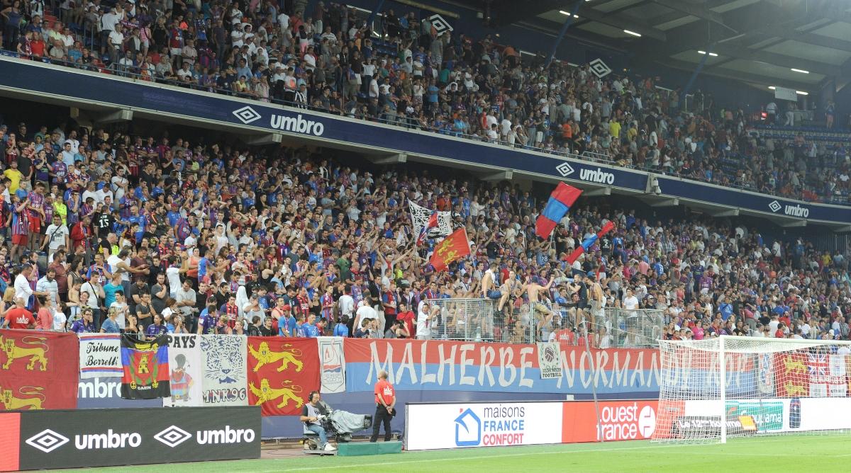 [5e journée de L1] SM Caen 0-6 Paris SG - Page 2 Public_heureux_1_gf