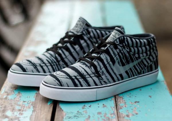 Vos derniers achats Nike-SB-Janoski-Mid-Grey-Black-Tiger-1