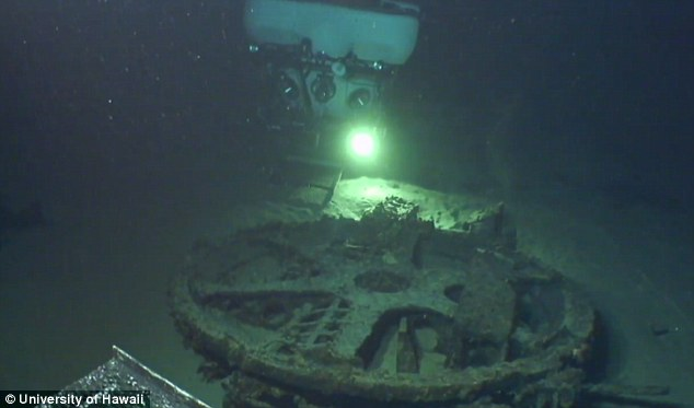 الغواصة اليابانية الحاملة للطائرات Sen Toku I-400-class  + فيديوهات HD  نادرة  و لاول مرة 282C359E00000578-3062833-The_vessel_had_been_missing_since_1956_according_to_scientists_a-m-172_1430410068480