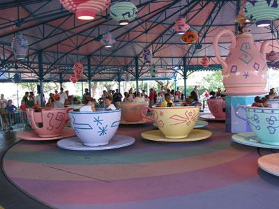 visite du Disney world magic Kingdom Wdw_mad_hatters