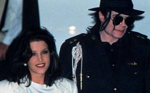 Morte di Jackson: Le rivelazioni inquietanti di Lisa Marie Presley - Pagina 5 JacksonLisaMarie_1431394c-300x187