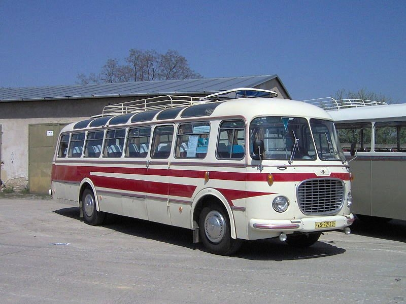 Skoda transports ... 107-480-wooden-toy-bus