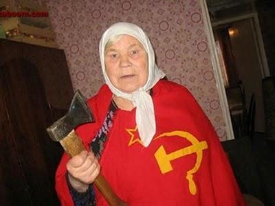 Tayikistán prohibe el velo islámico Old-russian-woman