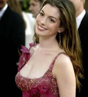 Anne Hathaway 420