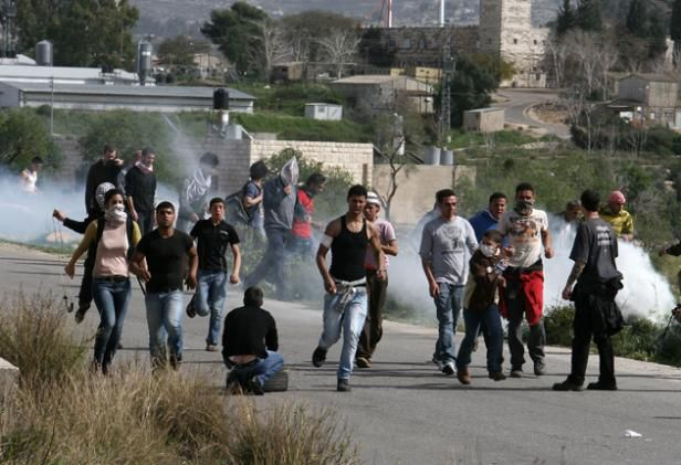 Israel attacked the march of Nabi Saleh and other marches in the West Bank  World_lead_5_335600s