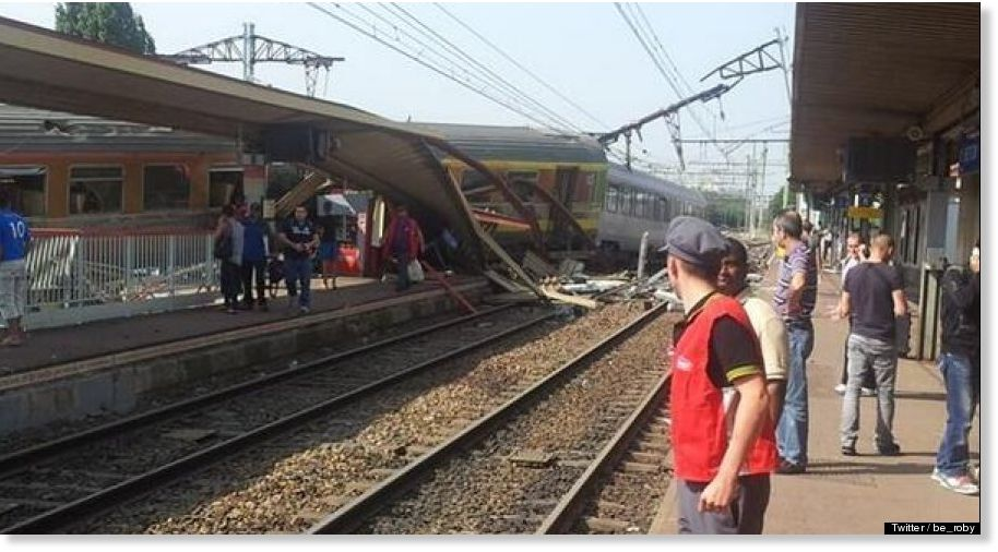 Packed train derails near Paris - 7 dead; dozens injured BRETIGNY_sur_orge_train