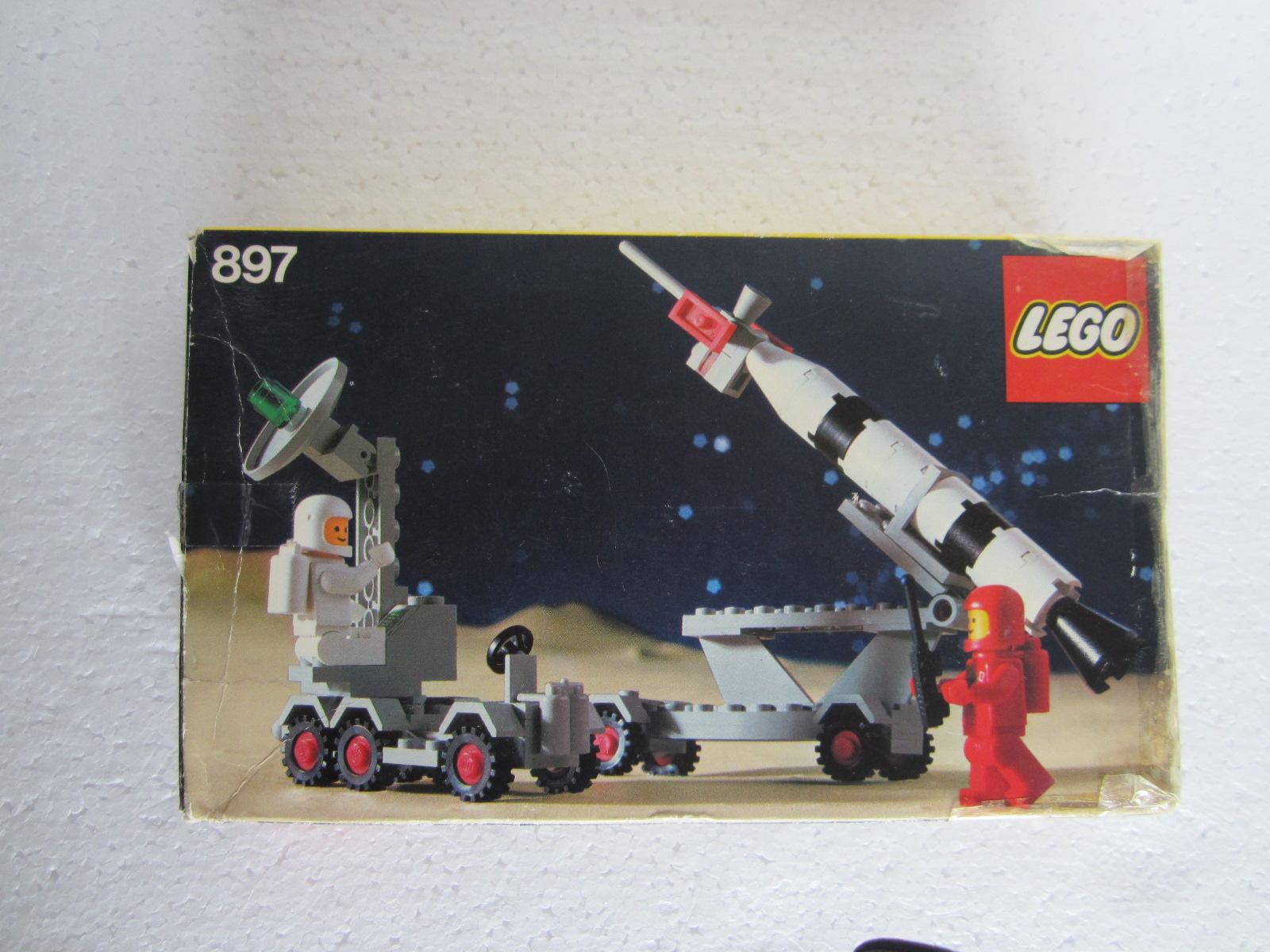 LE BON NUMERO - Page 40 Lego-space-897-p1