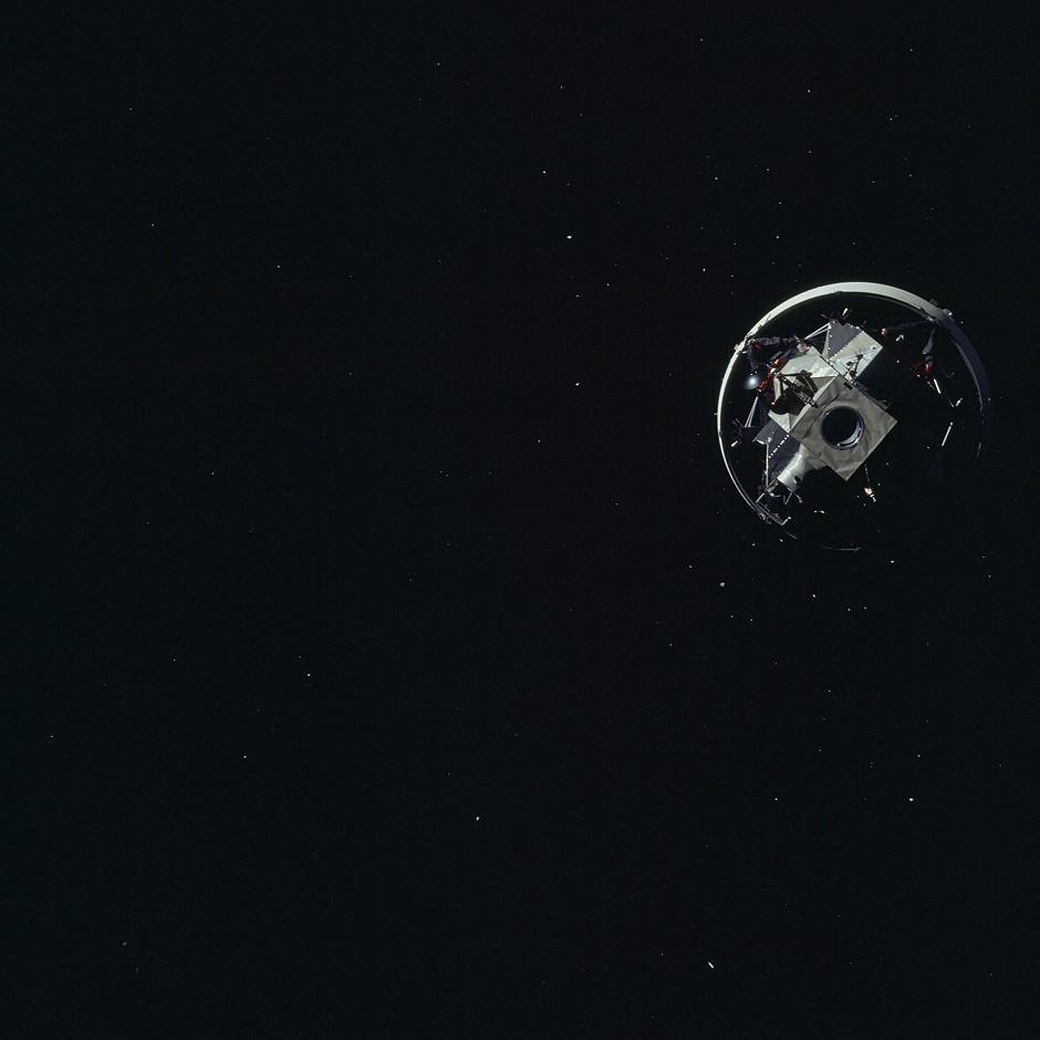 Apollo 12 (1969) Apollo-12_s-ivb