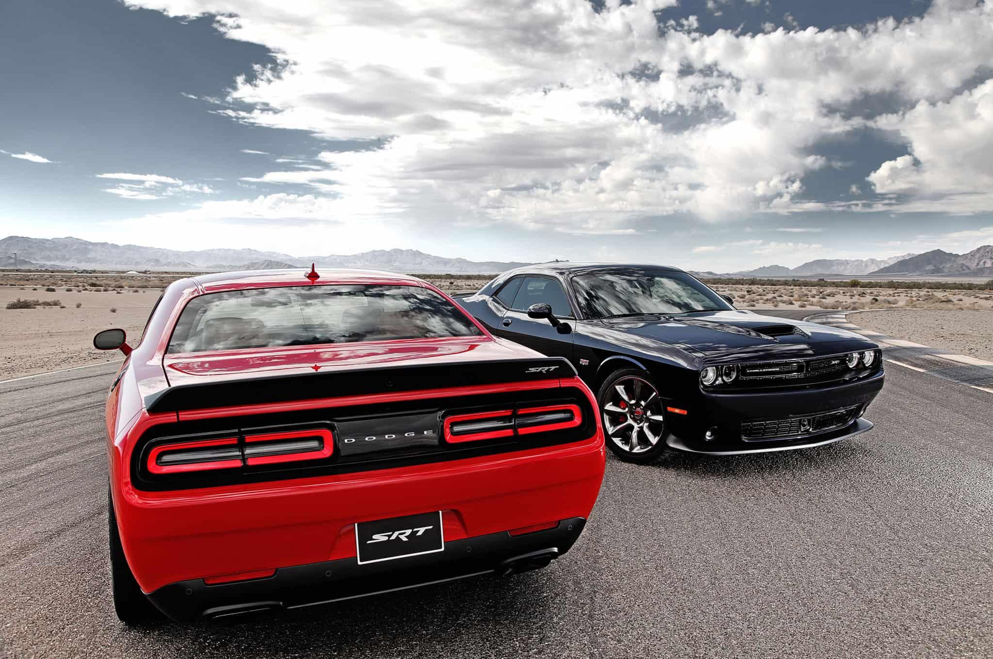 Les voitures des Limited - Page 18 Dodge-Challenger-SRT-Hellcat-ca-sera-717-chevaux-pour-elle-1